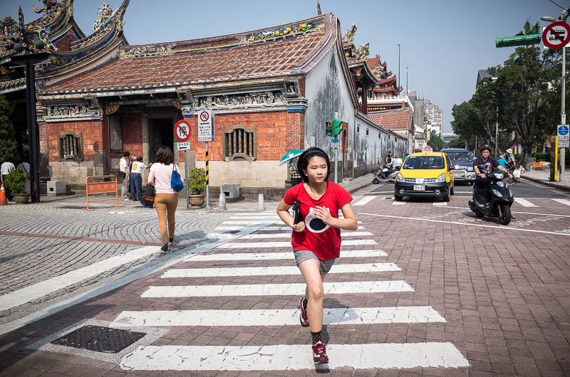 Girl running - Taipei street photography