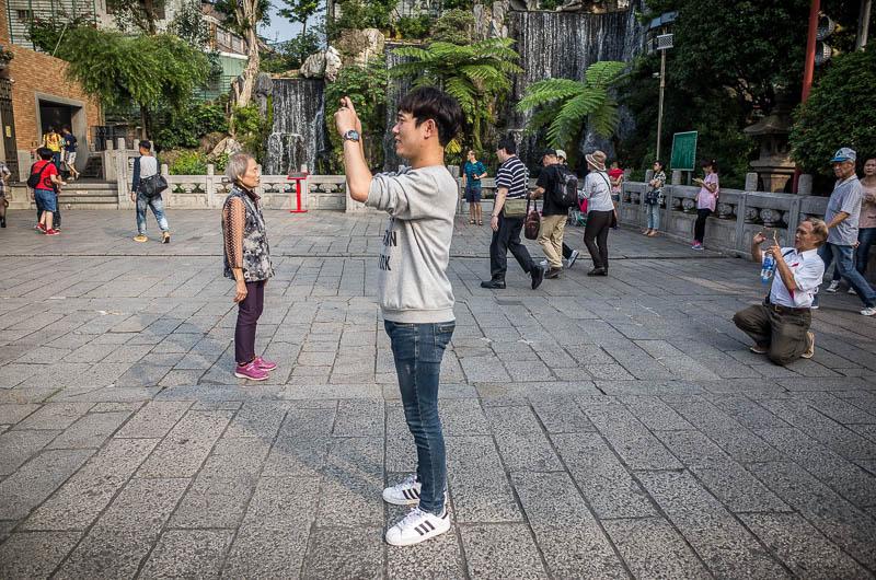 Taipei street photography: Longshan Temple photographers