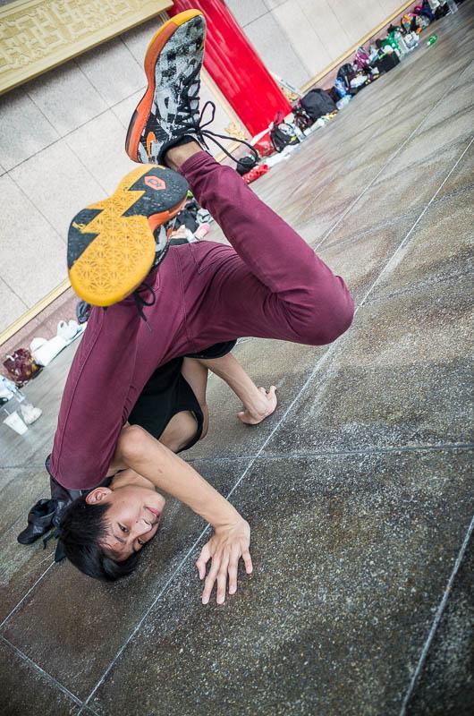 Taipei street photography: modern dancer